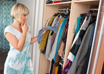 How to Get Mildew Smell Out of Clothes